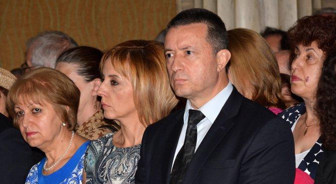 Стоилов: Недостатъците на управлението и злоупотребите на власта дискредитират Конституция