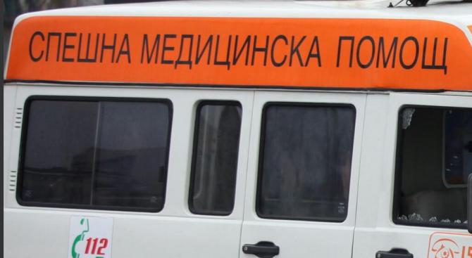Блъснаха млада жена и 3-годишното й дете на тротоар в Бургас (обновена)