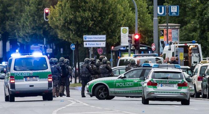 Нов ужас в Германия, сирийски бежанец уби жена и рани други двама с мачете (обновена+видео)