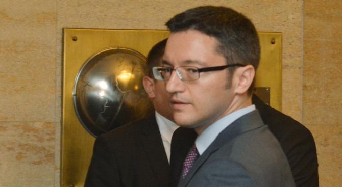 Вигенин: Даниел Митов постъпи неправилно с Надежда Нейнски