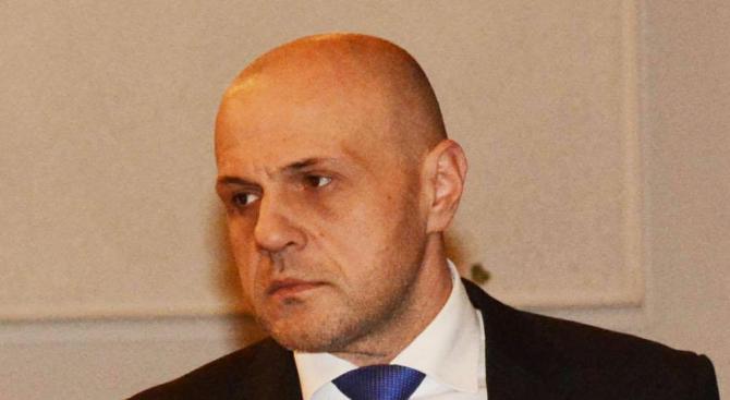 Томислав Дончев ще координира организацията на президентските избори и референдума
