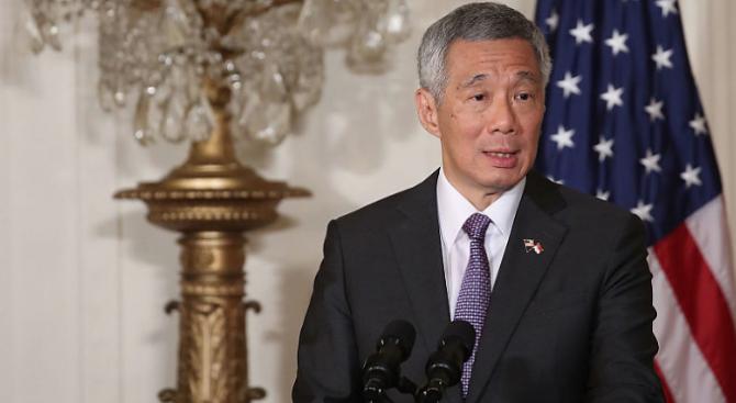 Премиерът на Сингапур се почувства зле, докато произнасяше реч