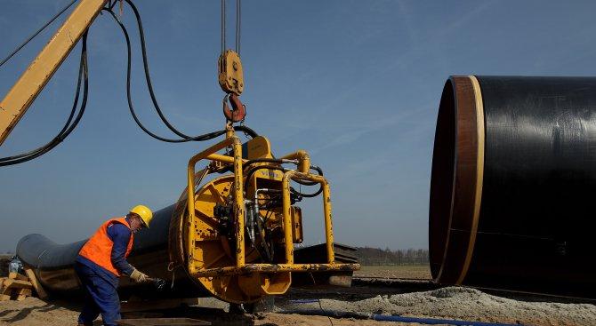 ЕК: Искаме да възстановим газовите преговори с Киев и Москва