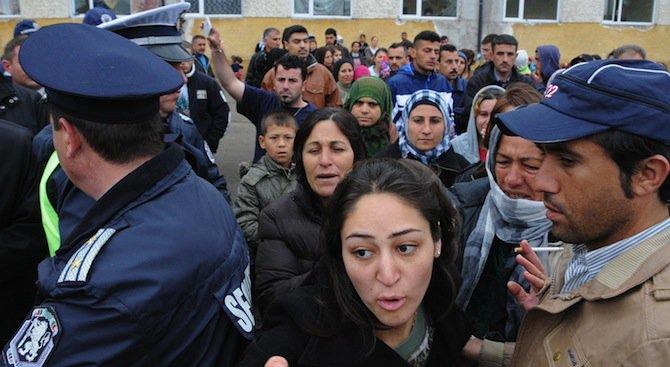 Системна злоупотреба с алкохол в бежанския лагер в Харманли