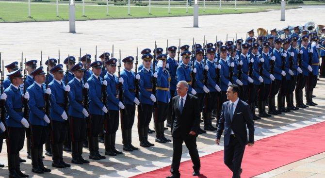 Ето как бе посрещнат българският посланик в Сърбия (снимки)
