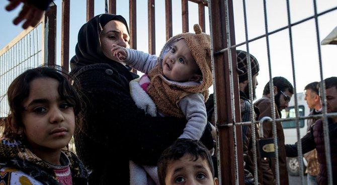 УНИЦЕФ: Близо 50 млн. деца по света са прогонени от домовете си от конфликти и бедност