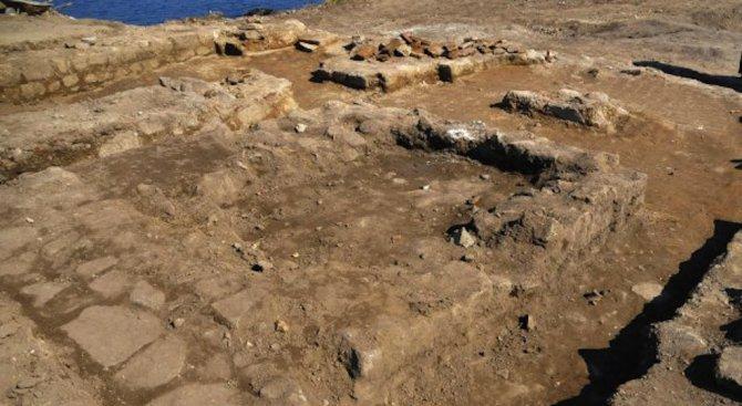 Археолози откриха средновековен некропол в центъра на Враца