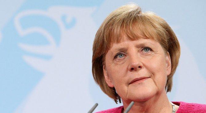 Меркел и Ципрас обсъдиха предизвикателствата пред ЕС в телефонен разговор