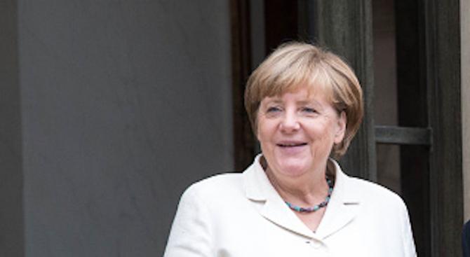 Меркел: Ситуацията в Европа е критична