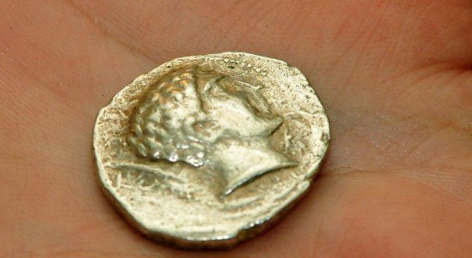 Рядка монета на император Валентиниан I откриха край Попово