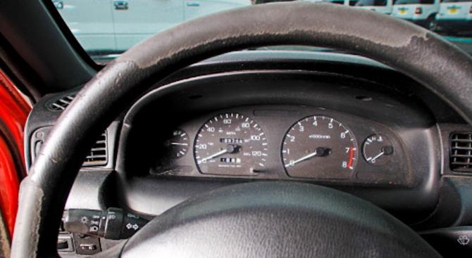 Как да разберем кога е превъртян километражът на една кола