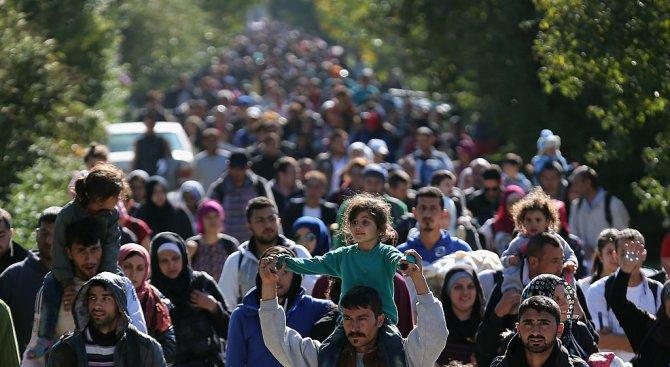 Протест на бежанци затвори пътя Серес-Солун