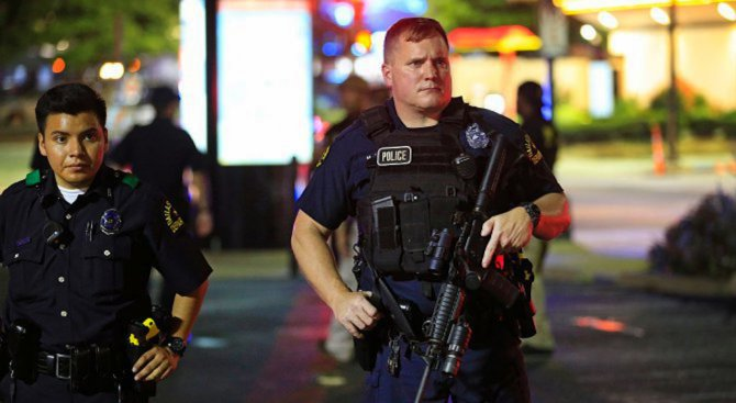 Протести в щата Северна Каролина след убийството на чернокож от полицай