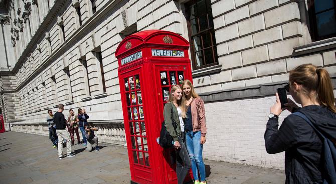 Вдъхват нов живот на телефонните кабини в Лондон