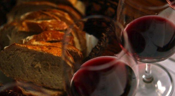 Чаша вино действа като антидепресант