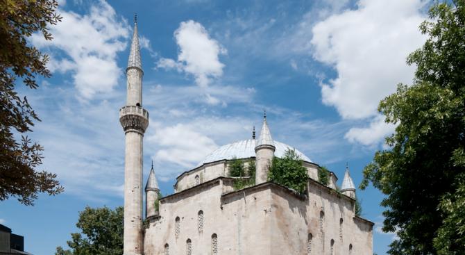 Мюфтията настоява джамията в Разград да се ремонтира