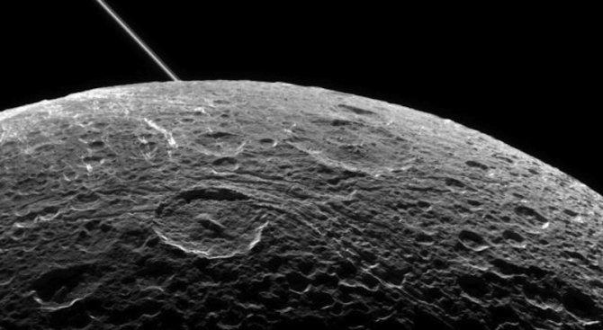 Откриха океан на още една луна на Сатурн