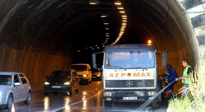 """Ремонтът на тунел """"Витиня"""" напредва при 24-часов режим на работа"""