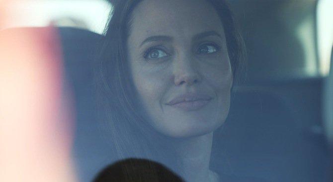 Бивш телохранител на Анджелина Джоли: Спасих й живота! Бях баща на децата й