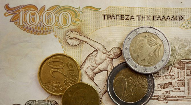 Гръцките пари пълнят банките в България и Румъния