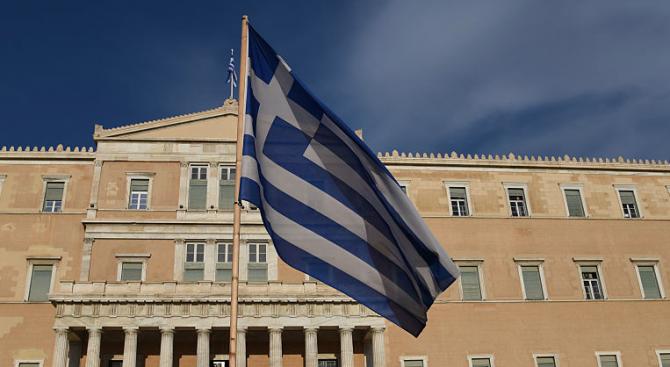 Гърция ще получи пореден транш от помощта по третата спасителна програма
