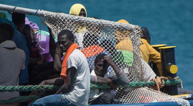Откриха 25 трупа в лодка
