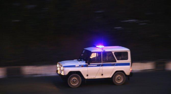 В името на свободата. Руснак нахапа полицай по пениса