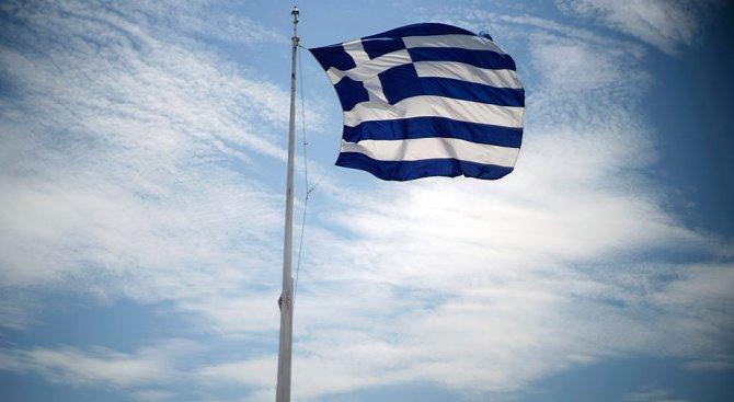 Хвърлиха граната срещу посолството на Франция в Атина