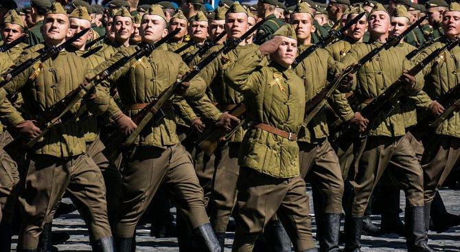 В Москва повториха парад от 7 ноември 1941 г. (видео)