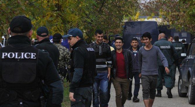 ДАБ: Няма масова зараза в бежанския център в Харманли