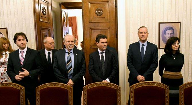 Реформаторите изгониха Радан Кънев. Готови са да създадат правителство, ако ГЕРБ ги подкрепят (снимк