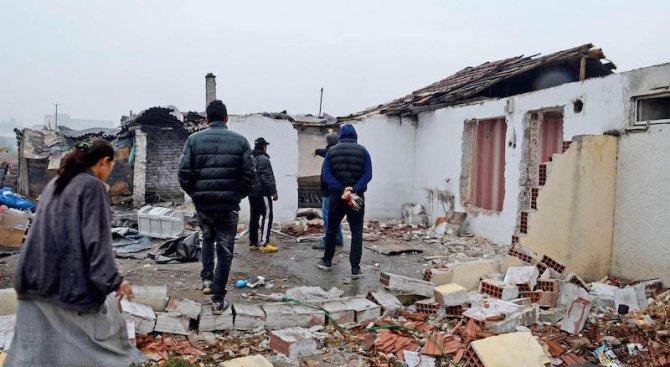 Доклад на ЕС: Нищетата съсипва живота на ромите в България