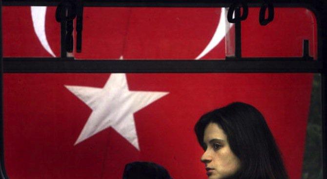 Турчин застреля жена си, защото искала развод