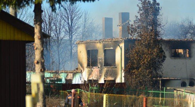 Евакуират всички жители на село Хитрино (снимки)