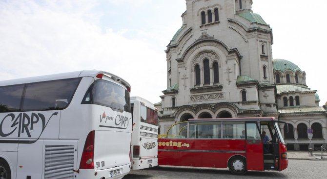 Фандъкова: Средствата от билетите се инвестират в градския транспорт (видео)