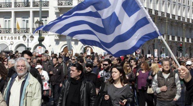 Моряците в Гърция решиха да продължат стачката си с още 48 часа