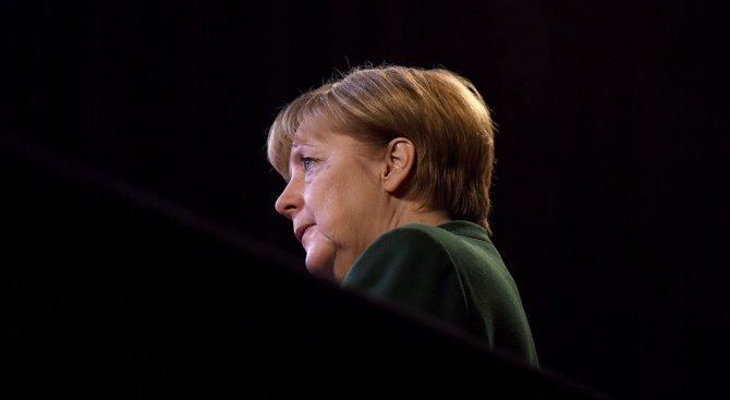 """Меркел: Германия няма да промени принципа си за """"един Китай"""""""
