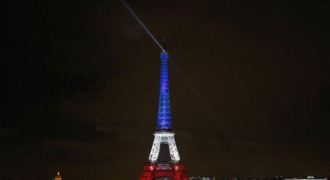 6000 души на ден посещават Айфеловата кула