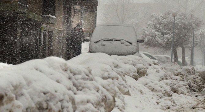 Снегорини намериха кола под преспите в Шумен