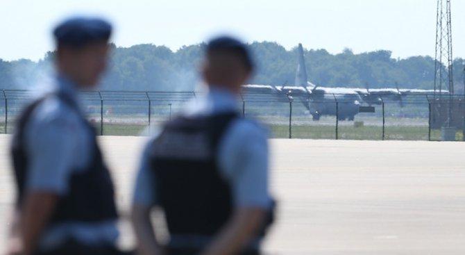 Военна полиция задържа екстрадираната от България и заподозряна в тероризъм холандка