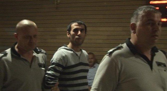 Върнаха у нас избягалия Хюриет Сюлейманов, убил трима студенти на пътя (видео)