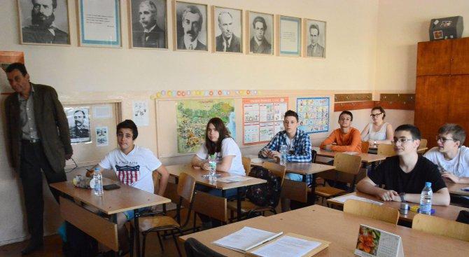 България е сред първите пет страни на ЕС по висок дял на ученици в професионалното образование