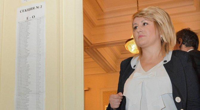 Ана Баракова не тъжи за парламента, има други планове (видео)