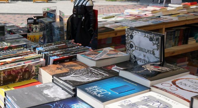 """Министерството на културата благодари на всички участници в първата """"Нощ на четенето"""""""