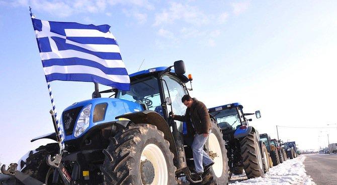 """Гръцки трактори блокираха ГКПП """"Кулата-Промахон"""" (обновена)"""