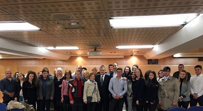 Цветан Цветанов разкри на какво ще заложат от ГЕРБ в образованието (снимки)