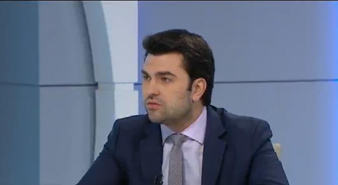 Георг Георгиев: Служебното правителство връща тройната коалиция във властта (видео)