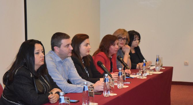 Горанов: Ще удвоим заплатите на учителите, защото това е инвестиция в бъдещето