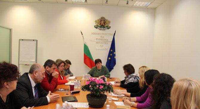 Стела Балтова иска консенсус по проблемите в Закона за туризма (снимки)