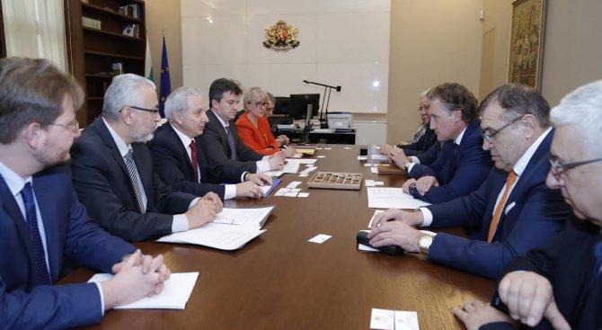 Огнян Герджиков се срещна с представители на КРИБ (снимка)